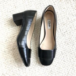 Clarks block heel pumps